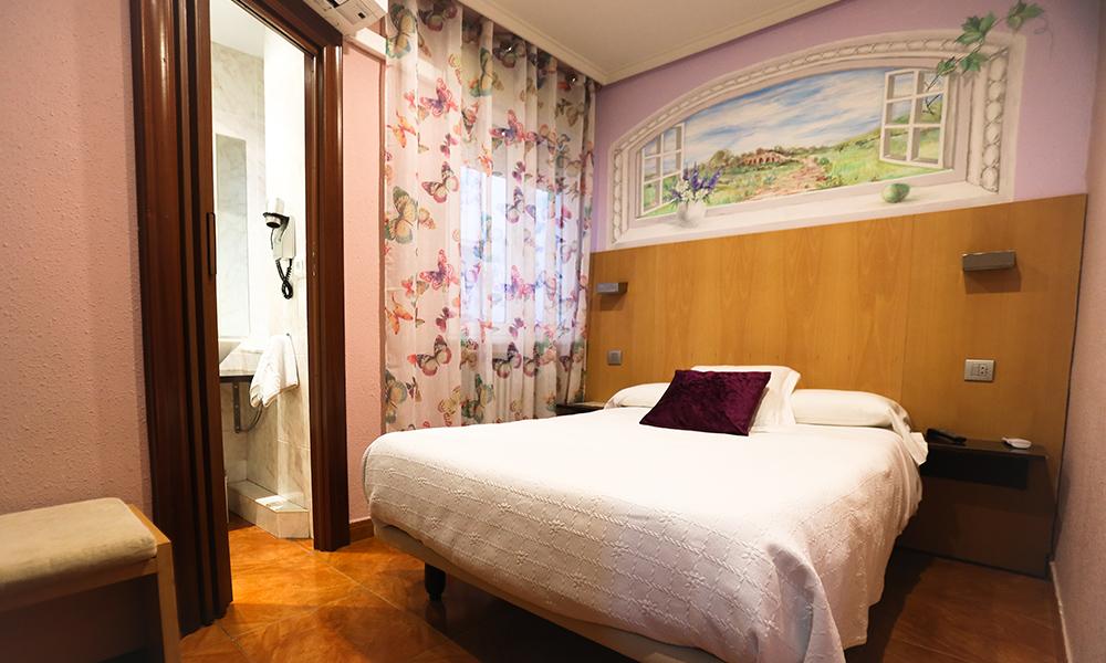 Habitación 102.  Hostal Goya Suites Salamanca